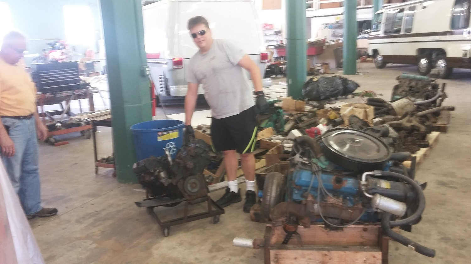 Ford motorhome engines autos post for Outboard motor salvage yard