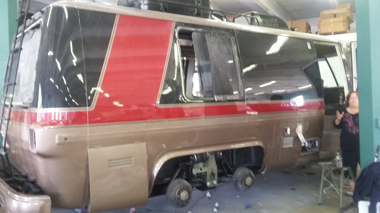 Gmc Motorhome Parts >> GMC Motorhome, Ruby's paint and the motor is on the ground and more